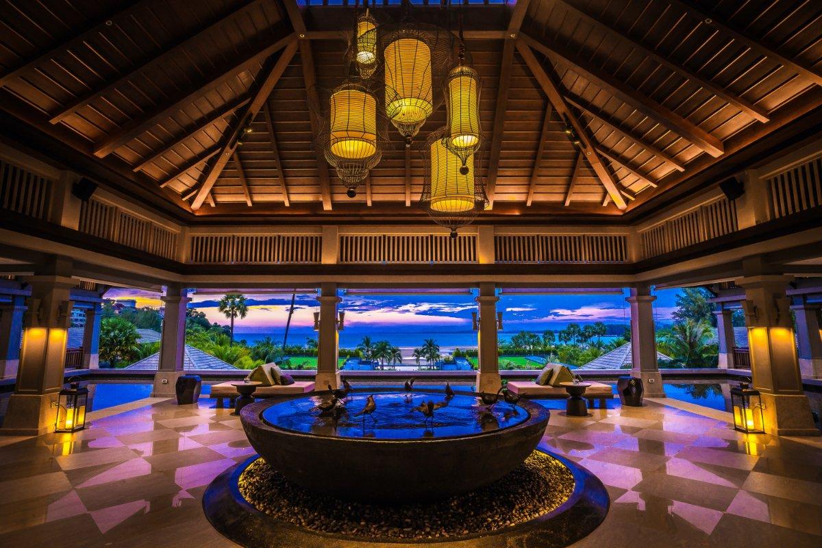 โรงแรม ภูเก็ต แมริออท รีสอร์ท แอนด์ สปา, ในยางบีช